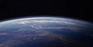 apollo13_earth_light